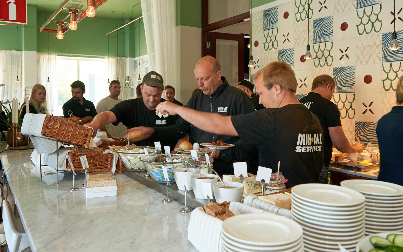 Frukost med vår personal på Elite Plaza Hotel i Örnsköldsvik, MIK ALL Service AB